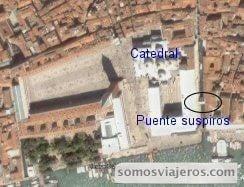 vista aérea de la ubicación del puente de los suspiros de venecia