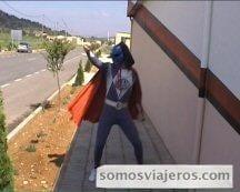 disfraz de super héroe en una despedida de soltero