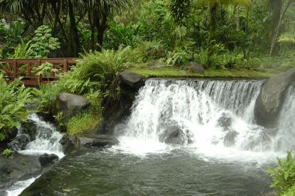Foto cascada Tabacón