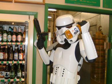 Whiky para todos. Darth Vader y su pandilla