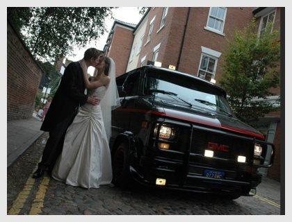 Casarse en la furgoneta del equipo A