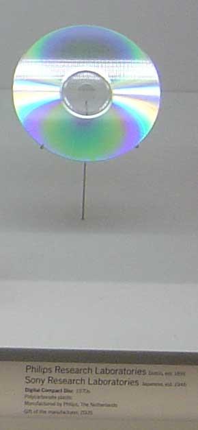 Compact disc en el MOMA