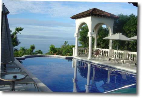 Piscina hotel parador de costa rica