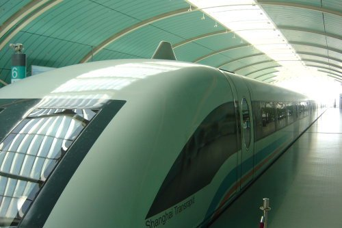 Maglev. tren alta velocidad chino. vista exterior