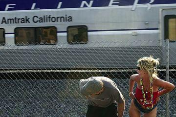 Enseñar el culo al tren en Laguna Niguel