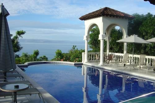 2009-06-15-piscina-costa-rica
