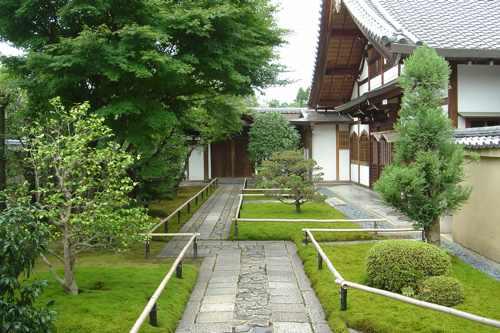 Paseo entre templos zen en kyoto