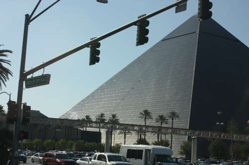 20091025_piramide
