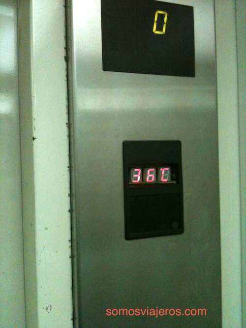 Desde la India. El ascensor sauna