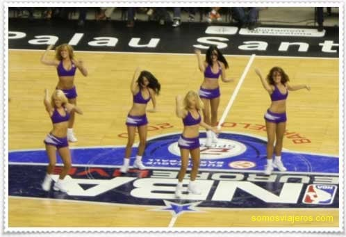 20101017_nba_cheerleaders.jpg
