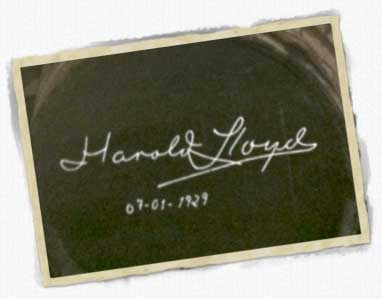 Firma Harold Lloyd en bodega Gonzalez Byass de Jerez