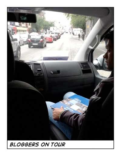 bloggers en la furgoneta recorriendo Valonia