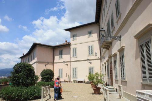 Palacio en jardines de Bardini