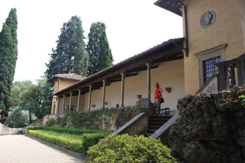 Bar con vistas desde los jardines de Bardini
