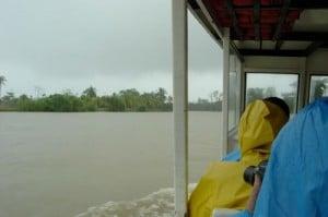 En barca hacia tortuguero