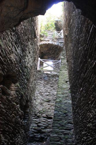 Interior del Castillo La Roche en Ardenne