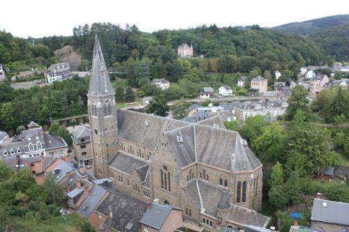 Vistas de La Roche desde el Castillo - La iglesia