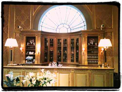 Bar hall palace hotel barcelona