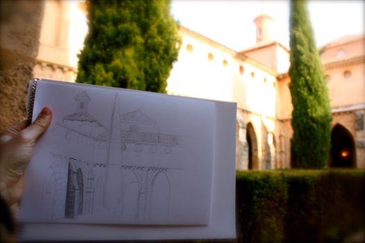 dibujando en el claustro del monasterio de piedra
