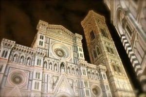 catedral de florencia en la noche