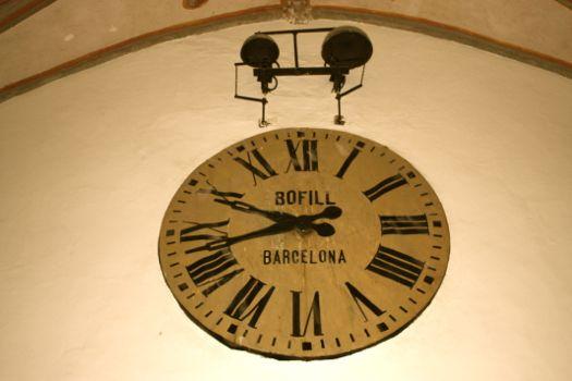 reloj decorativo hall hotel monasterio de piedra