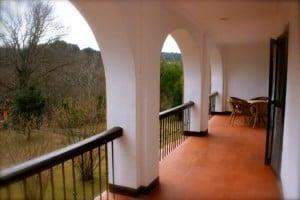 terraza habitacion hotel monasterio de piedra