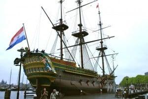 Barco del museo marítimo de Amsterdam