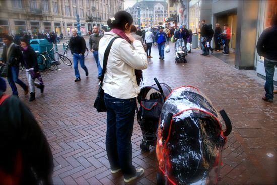 paseando en familia por amsterdam