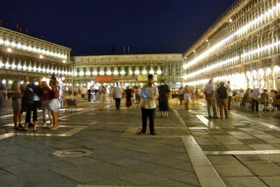 momentos venecia san marcos en la noche