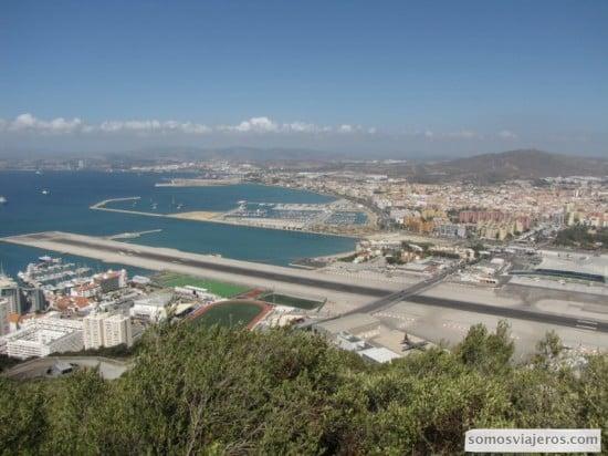 Vista de la pista del Aeropuerto de Gibraltar
