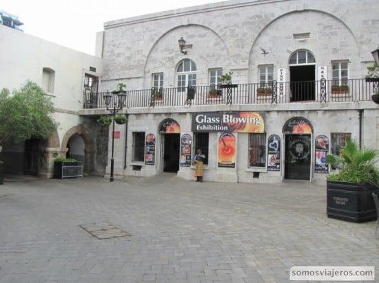Edificios gibraltareños, nada que ver con el resto de la Península!
