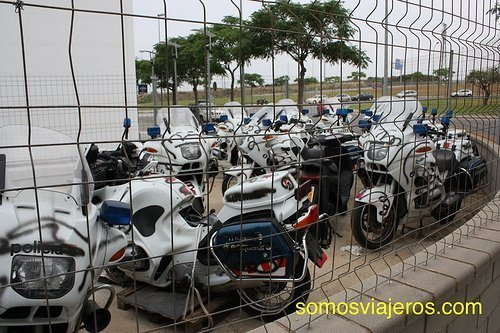 motos de policia grafiteadas