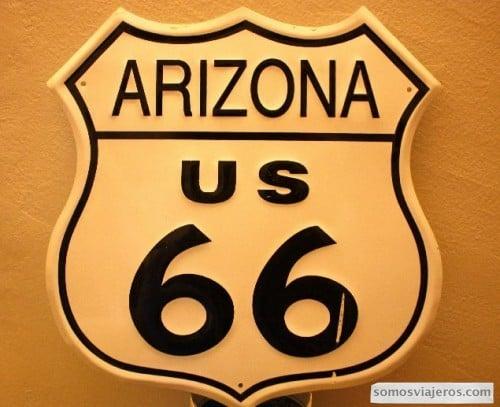 foto cartel ruta 66 a su paso por arizona