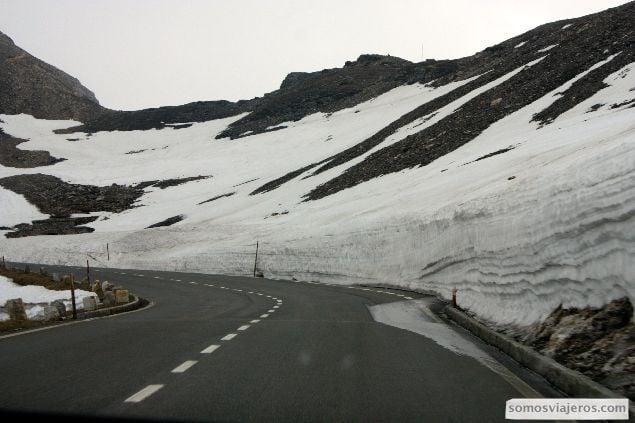 foto de la carretera de la ruta alpina de Grossglockner