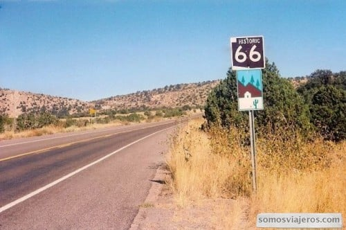 historica ruta 66. foto señal indicativa en camino a gran canon