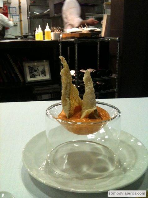 Chips de bacalao y pimentón de la vera en el restaurante Caelis