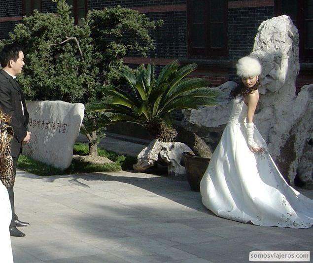 posado novia china glamouroso
