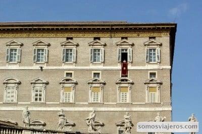 el papa a la hora del angelus en Roma