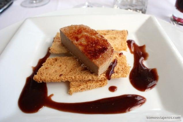 foie caramelizado vinagreta de fresa en el meson del mar en tarragona