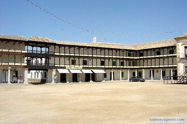 plaza mayor tembleque