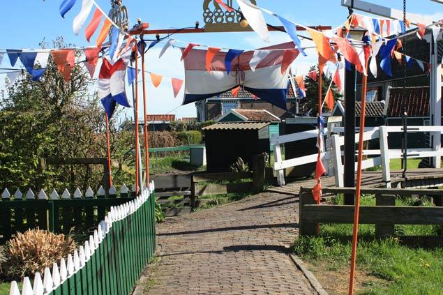 El día de la reina en Holanda. Colorido y fiesta en familia