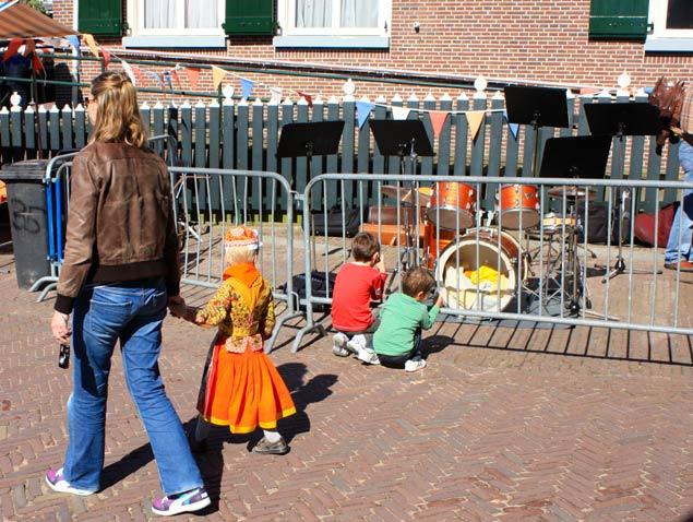 dia-de-la-reina-holanda-niños-y-musica