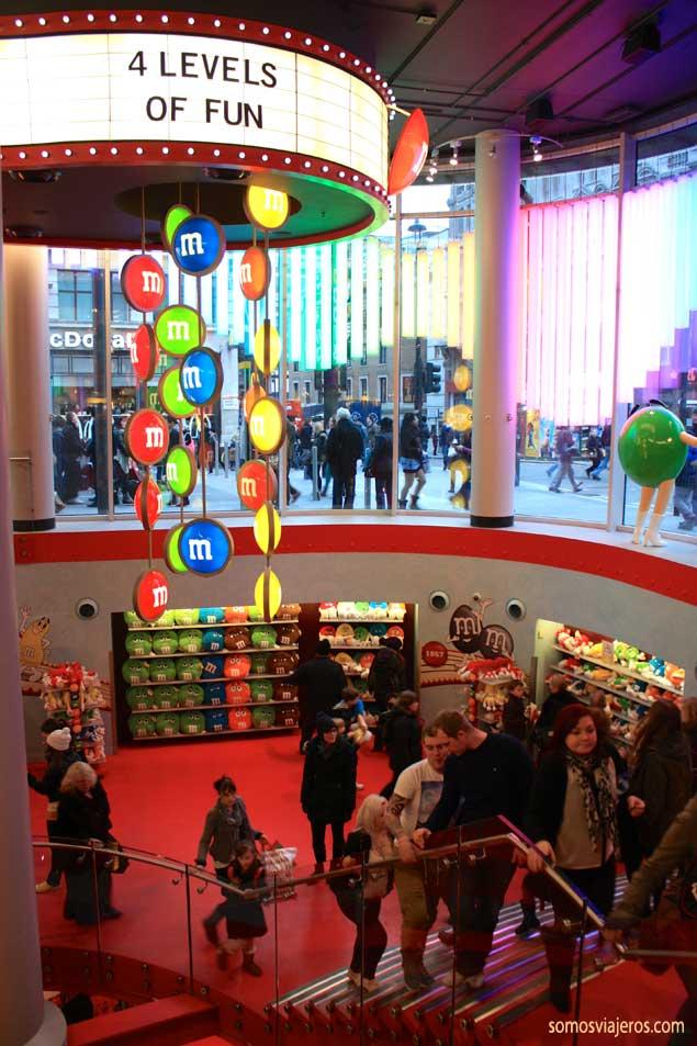 Entrada tienda M&M's en Londres