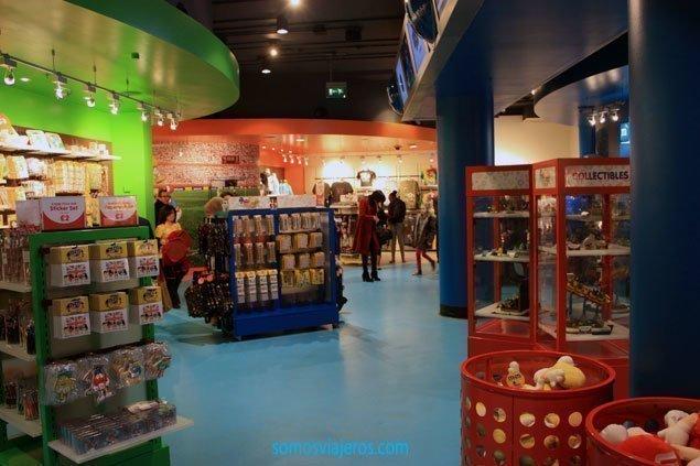 Interior tienda M&M's en Londres