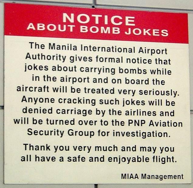 Nota informativa en el aeropuerto de Manila
