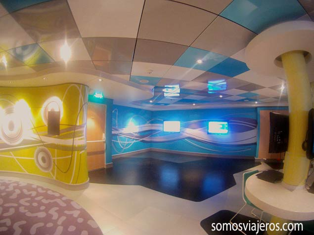 Sala de videojuegos en el Norwegian EPIC