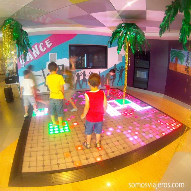 pista de baile en la zona infantil del EPIC Norwegian