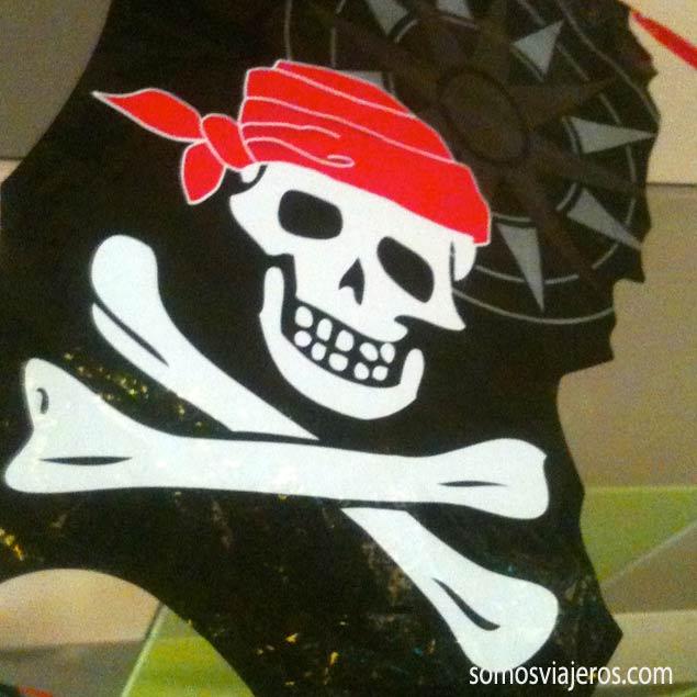 Bandera pirata en el área infantil del Norwegian EPIC