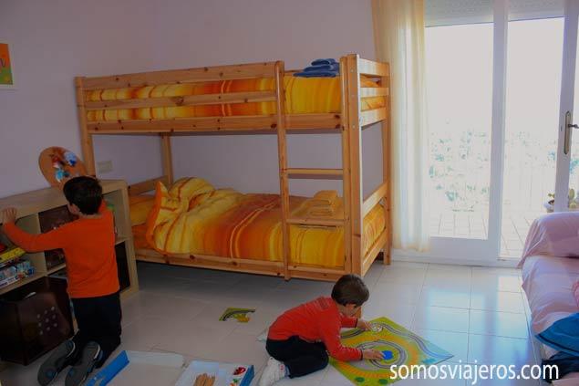 habitación de los niños en apartamento de Roses