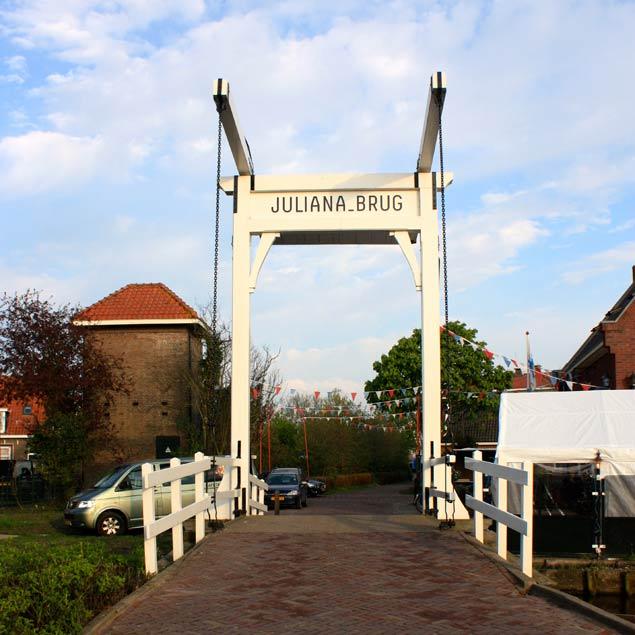 Puente de entrada a Marken